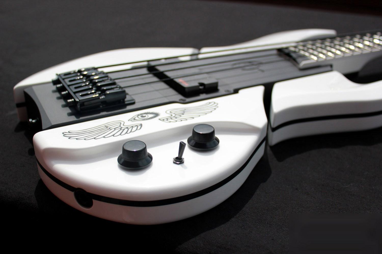 Eye's Bass Guitars EBG-3 Jackson Bass Controls