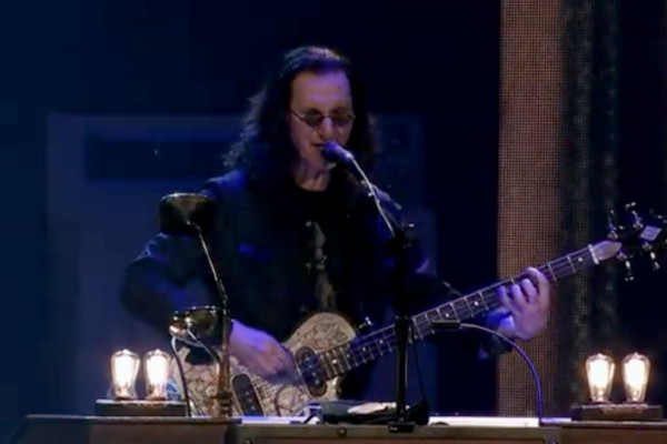 Rush: Distant Early Warning (Live)