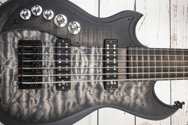 Bass of the Week: Dunable Guitars Joe Lester's Cyclops 6-String Bass