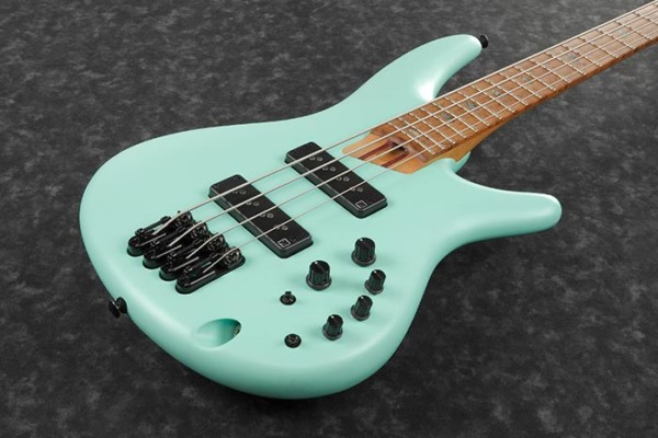 Ibanez Introduces SR1100B and SR1105B Basses