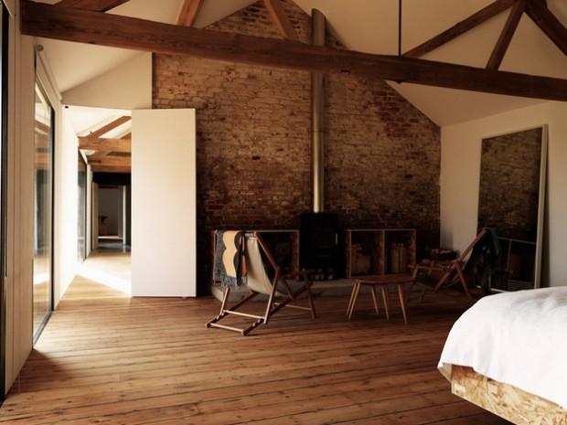 Dco brique et plancher dans un loft