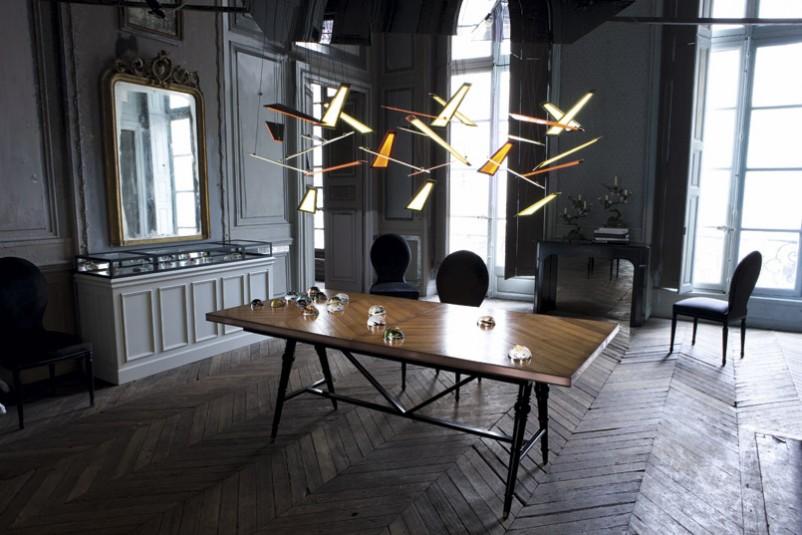 Suspension futuriste par Roche Bobois