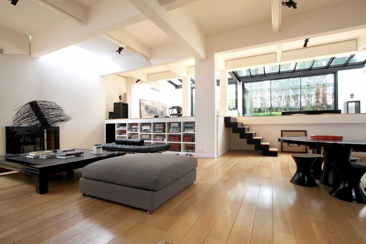 Salon moderne du loft  Courbevoie