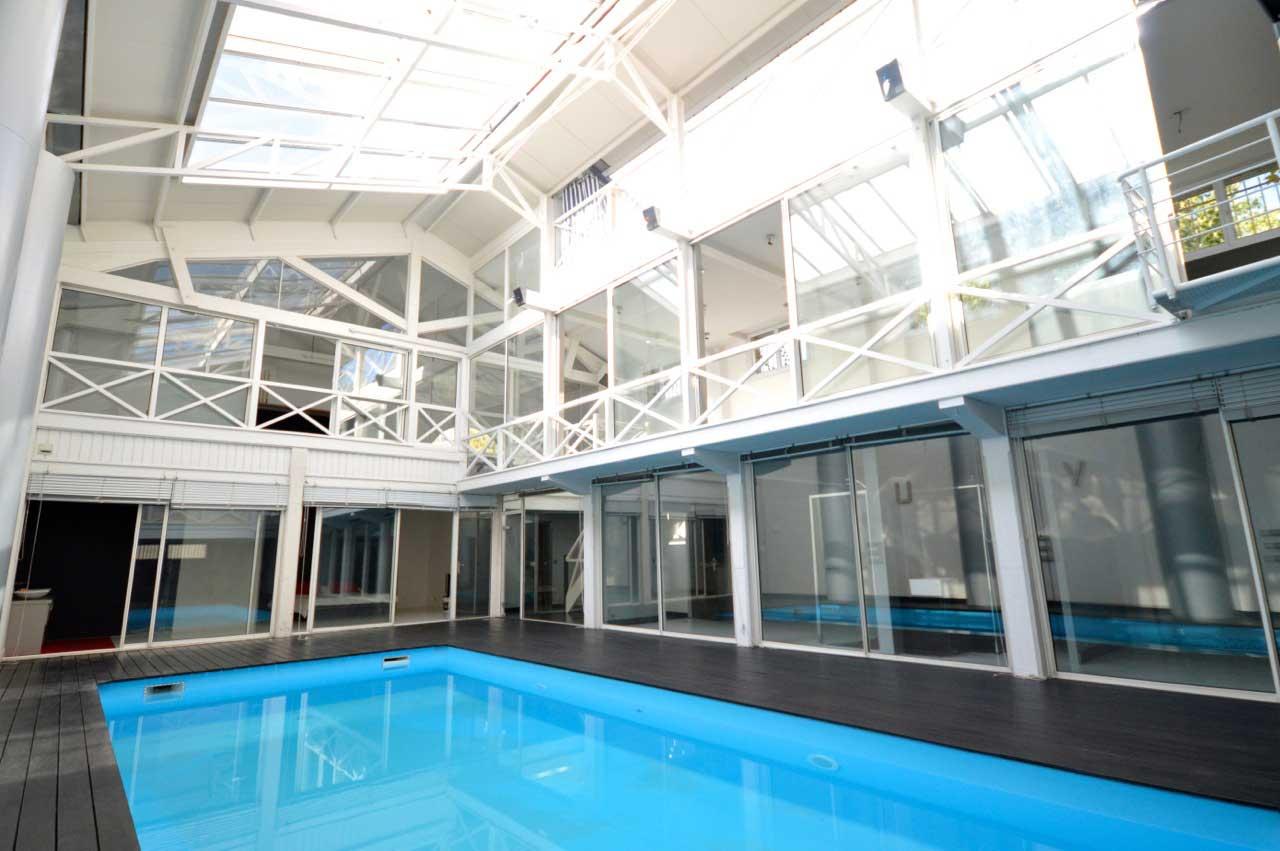 Loft avec piscine dans une pltrerie  Bordeaux