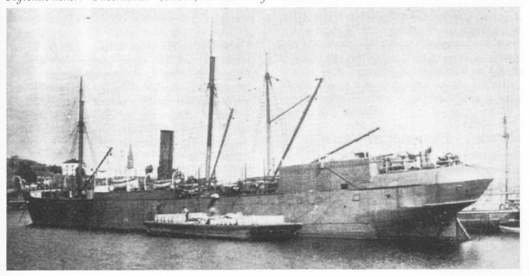 Flytende kokeri «Bucentarur» (Busen) tar inn utstyr sommeren 1908.