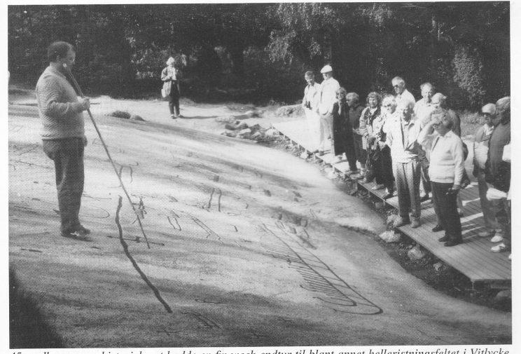 45 medlemmer av historielaget hadde en finn weekendtur til blant annet helleristningsfeltet i Vitlycke, Tanum i Bohuslän.
