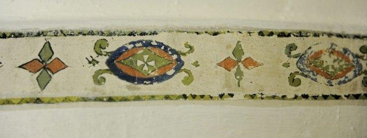 Ornamental bord inkludert malteserkors. Foto: Anne Charlotte Schjøll, tb.no