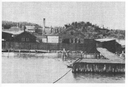 Svend Foyns anlegg på Revodden i 1902. Svend Foyn døde i 1894. Foto: Jarlsø fabrikker A/S -50-årsberetning.