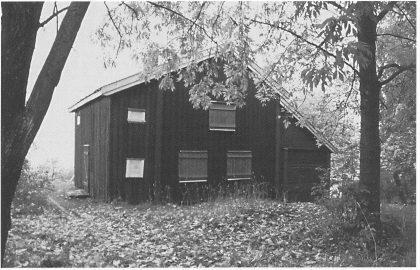 Nøtterøy-huset eller Smidsrødhuset, plassert på Vestfold fylkesmuseum. Gårdsnavnet representerer en liten gåte i historien om rud-gårdene.