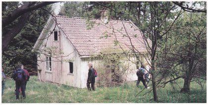 Vestre Rønningen på Østsiden av Mellom Bolæren da Fortidsminneforeningen besøkte stedet i juni 1996. Foto: Lisbeth Higley.