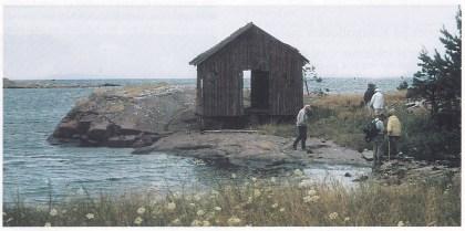 Sjøbod som tilhørte Vestre Rønningen. Utsikt mot Teinebåene der Fredrik døde i motorsnekka si mens han dorget makrell sommeren 1947. Foto: Fritz Kristiansen.