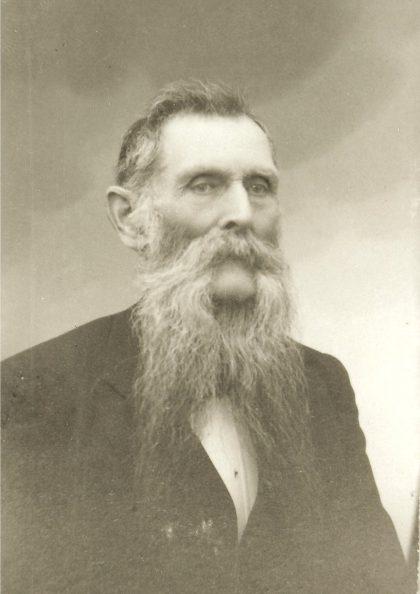 Olaf Knudsen på Torød, Henrik Wergelands sønn, var blant de ti lærerne på Nøtterøy i 1885.