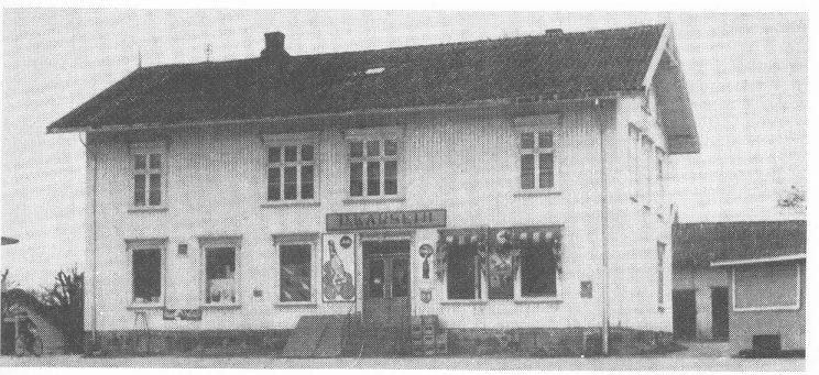 Bygningen til Nøtterø Forbruksforening etter at Dagfinn Karseth hadde overtatt driften.