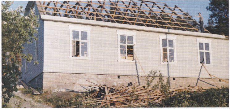 Losje Færder. Bygningen i Oterbekk blir revet. Foto utlånt av Torleif Kristiansen, Oterbekk.