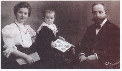 Victor og Maria Riedel med datter Olga i Wien i 1905. Foto utlånt av forfatteren.