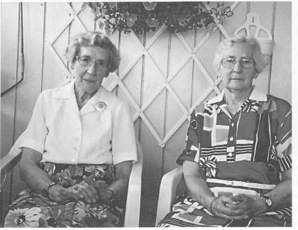 Søstrene Jenny Stabell Lande og Sofie Lundesgaard. (Foto: Norvald Fuglestrand.)