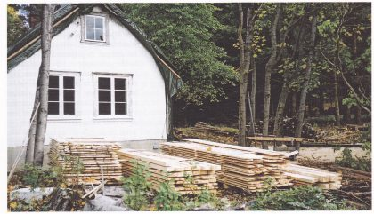 Fra Nordre Jensesund. Materialene er hugget og skåret på stedet. (Foto: Svein hermansen)