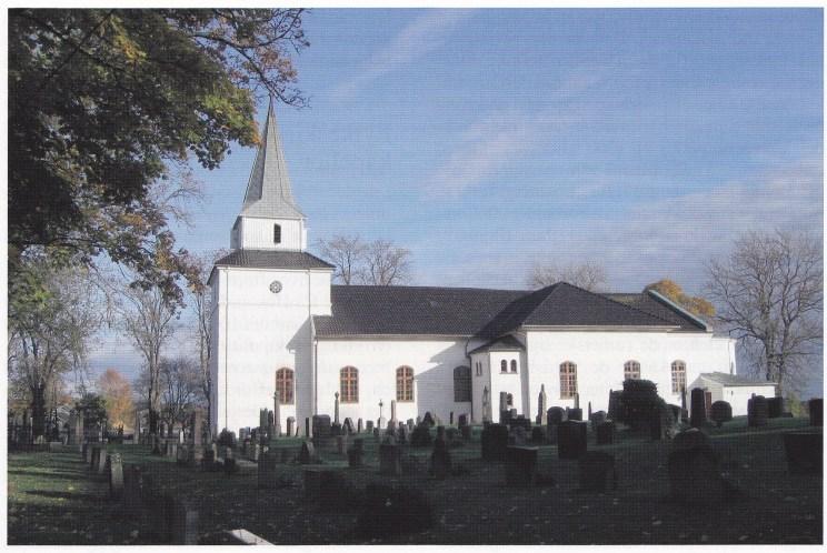 Nøtterøy kirke sett fra syd. (Foto: Svein Hermansen)