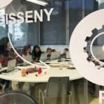 Crear joguines amb ordinador és cosa de nens a l'Ateneu de Fabricació de Ciutat Meridiana