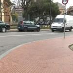Els veïns de la Trinitat Nova reclamen zona verda d'aparcament