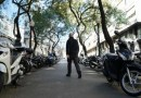 Una campanya per ordenar l'estacionament de motos a voreres