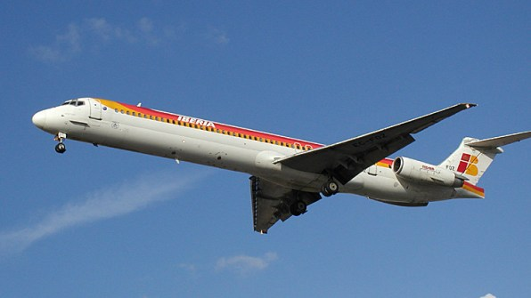 En la imagen, un avión de Iberia en pleno vuelo. Foto: Wikipedia