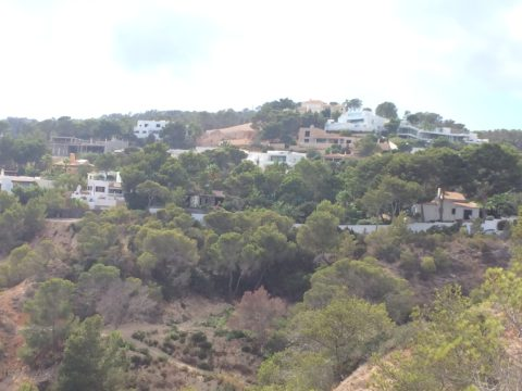 Una imagen de casas de la urbanización Vista Alegre. Foto: L.A.