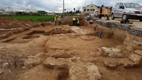 Vista general de la travesía de Jesús en la que se han realizando las excavaciones arqueológicas.