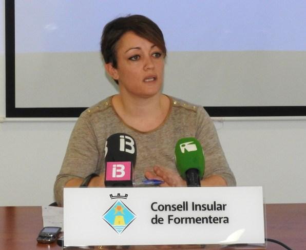 Alejandra Ferrer en rueda de prensa.
