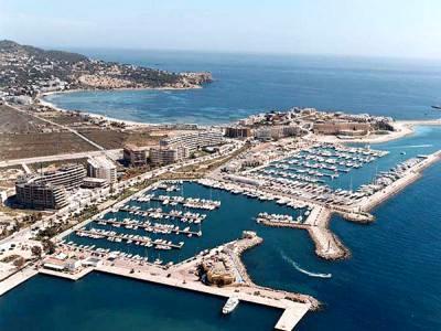 Vista aérea del puerto deportivo de Ibiza Nueva.