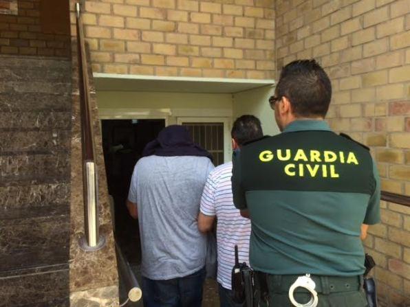 Los detenidos esta tarde a su entrada en los Juzgados.