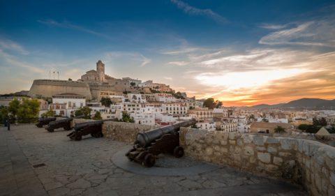 DaltVila_Ibiza_BalearicIslands_Queverenespana