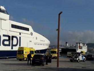 Ambulancias en el puerto de Ibiza por el accidente. Foto: Juan Martín Restituto