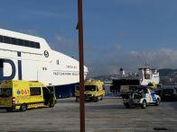 Ambulancias en el puerto de Ibiza. Foto: Juan Martín Restituto