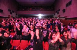 El público totalmente entregado. Foto: T.Escobar