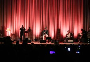 Un momento de la actuación de Toni Zenet. Foto: T.Escobar