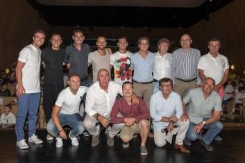 El Labi y futbolistas primera división.