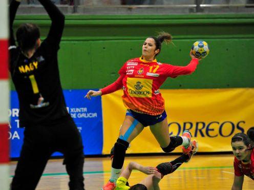 Ana González, en un partido con la selección