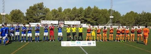 Presentación de los dos equipos antes del partido