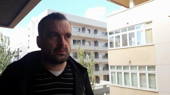 El director de cine Nacho Vigalondo durante la entrevista.