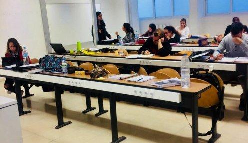 Imagen de archivo de estudiantes universitarios