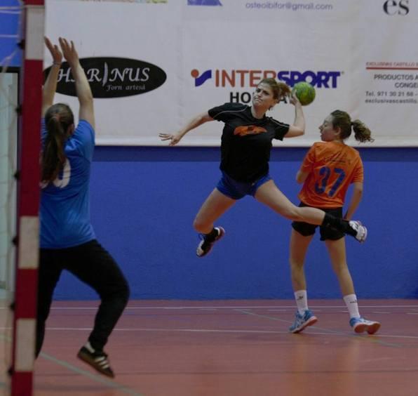 Imagen de un partido del HC Eivissa femenino