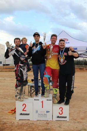 podium DKT1