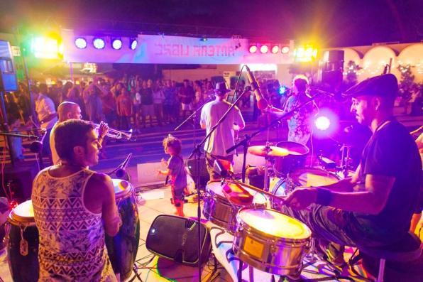 Música a les places a Formentera.