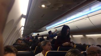 Avión desviado niebla