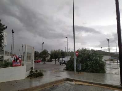 Graves daños en Sant Antoni por el temporal. Fotos de Adela Costa.