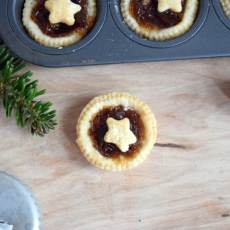 Mini Mincemeat Tarts. The classic British dessert is great addition to your Christmas cookie and baking list.