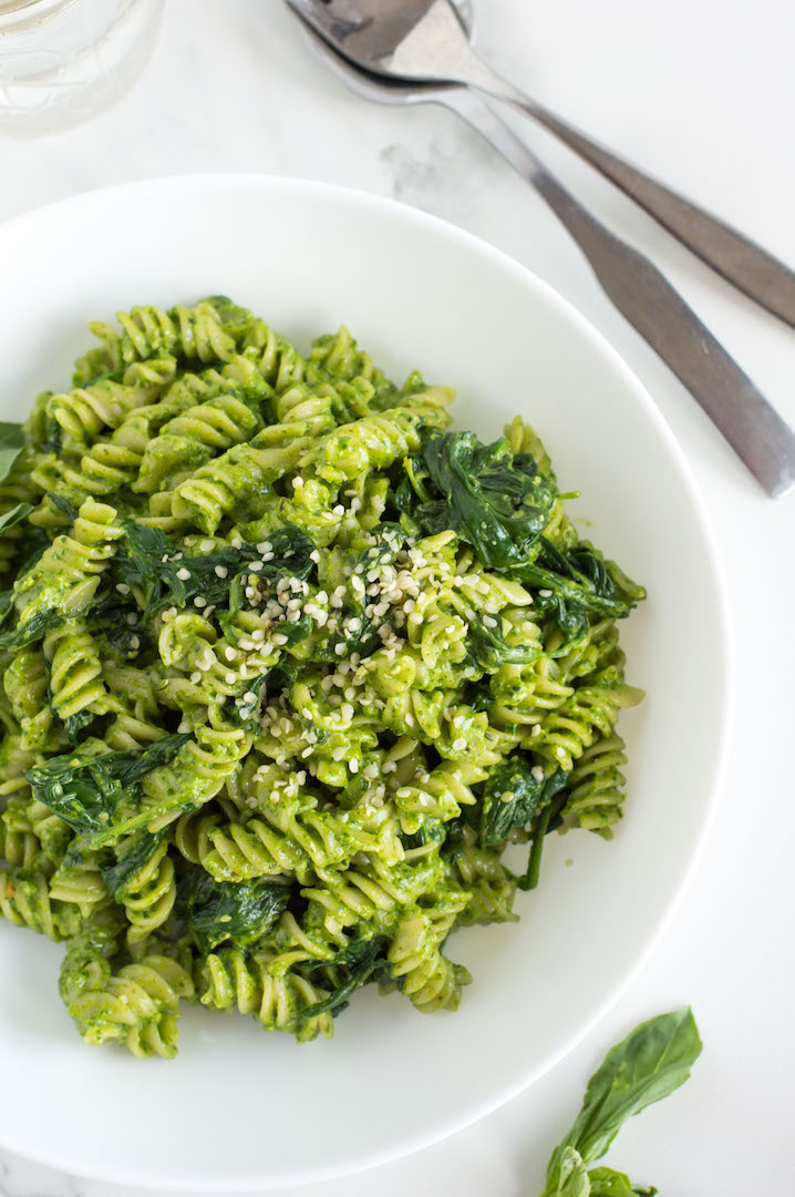 Simple and delicious Spinach Pesto Pasta with Basil and Goat Cheese | recipe| gluten free and vegetarian | easy to make pasta night dinner