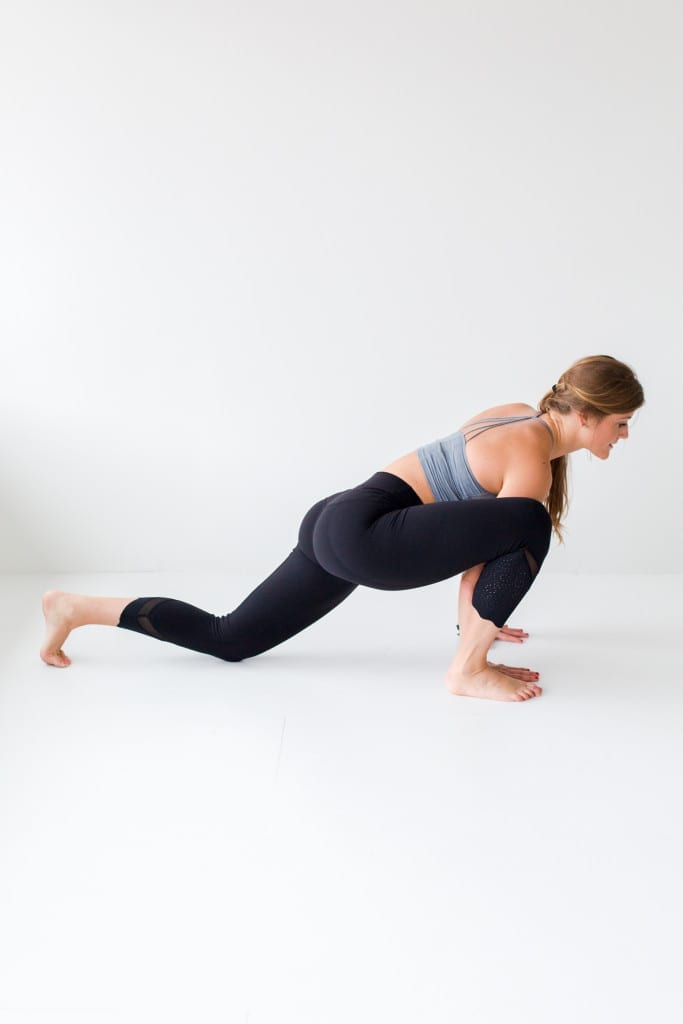 10 morning yoga poses, low lunge + hip opener --- www.nourishmovelove.com