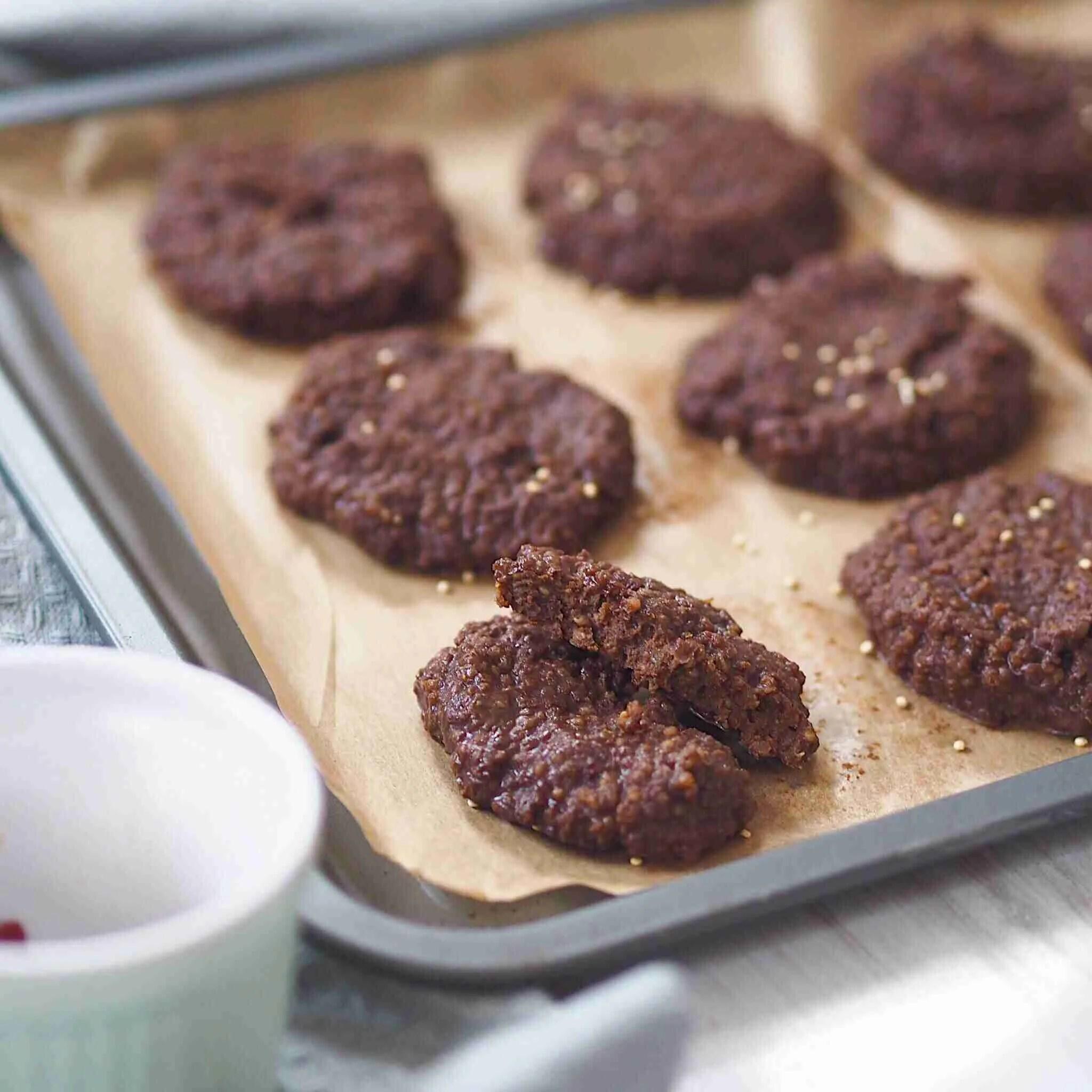 No Bake Quinoa Chocolate Peanut Butter Cookies - Vegan + Gluten Free